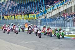 Rennstart Superbike Lauf 1